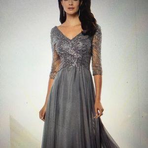 Stunning Montage Heather Grey Sequin dress sz 10